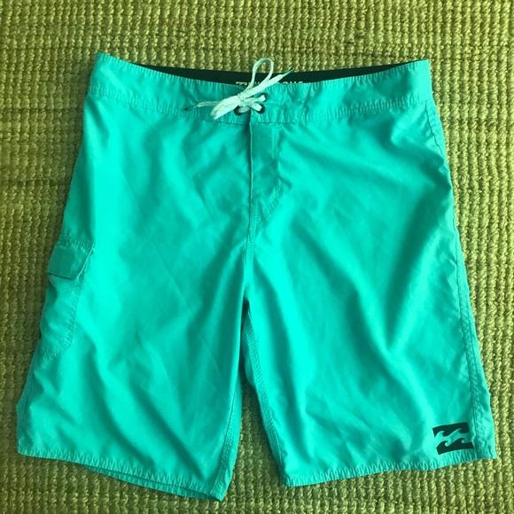 """Billabong 10"""" Inseam All Day Board Shorts Size L"""